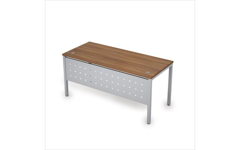 6МК.009 Средний письменный стол (1400х700х750 мм)